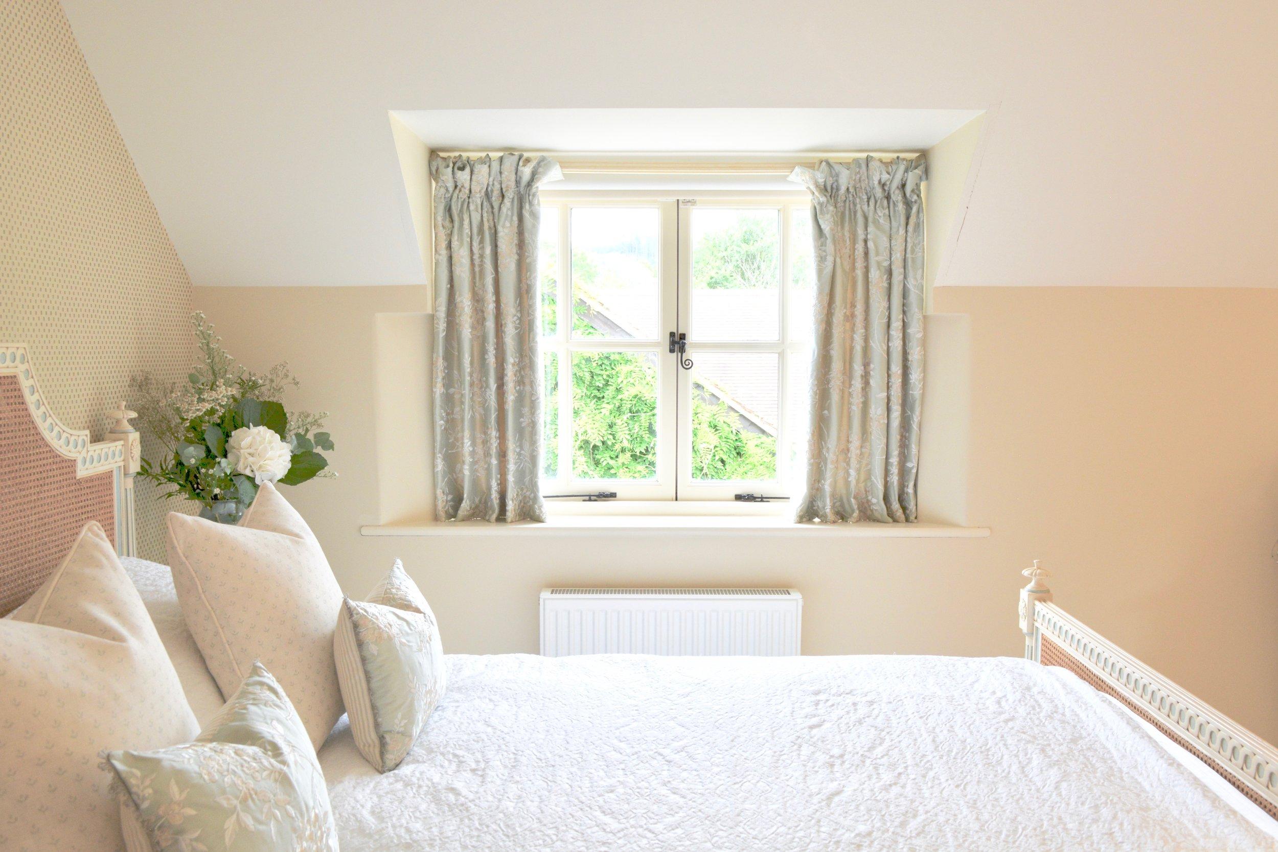 Country Cottage Bedroom Designed by Hannah Llewelyn Interior Design www.hlinteriors.co.uk 3.jpg