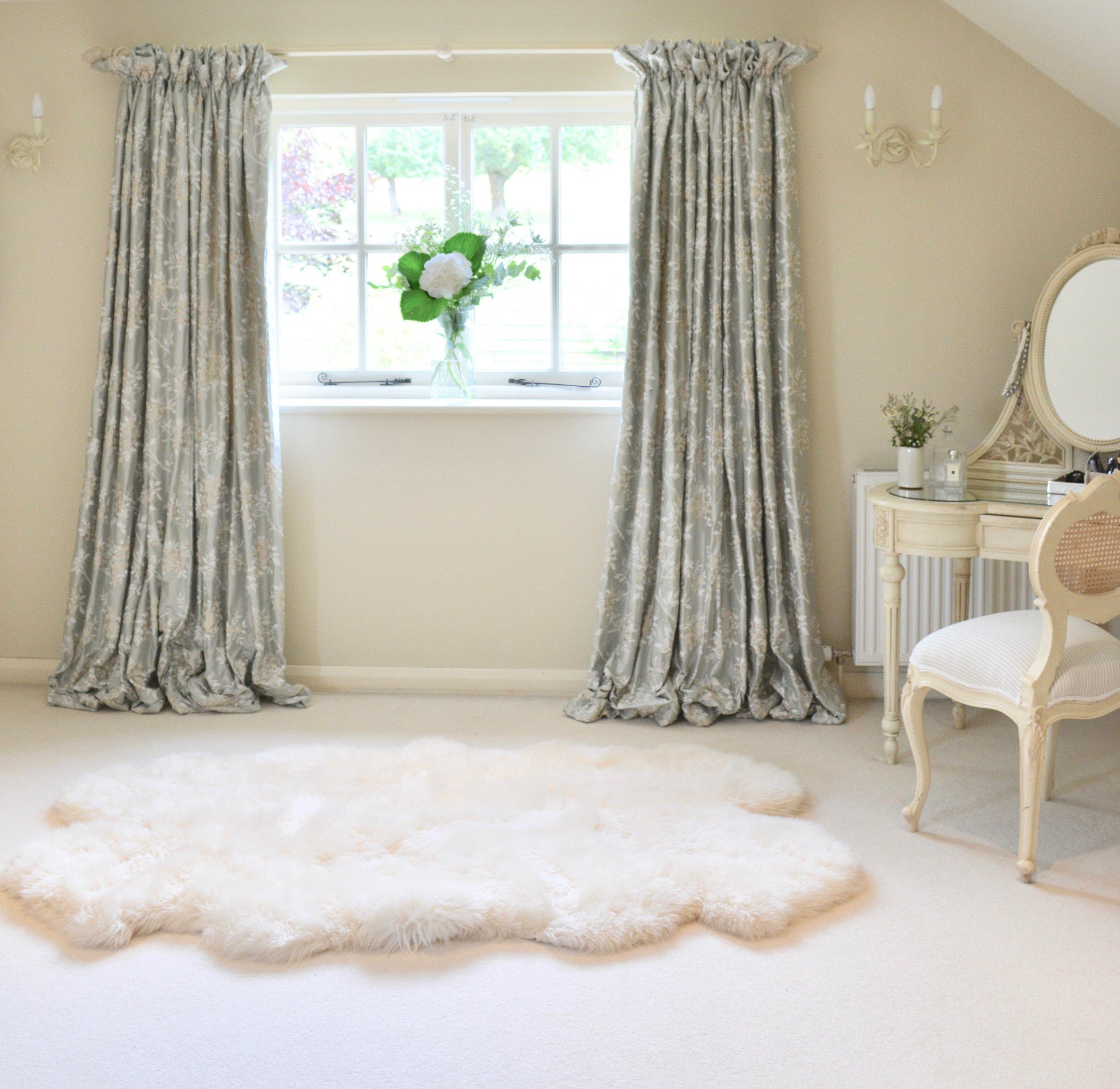 Country Cottage Bedroom Designed by Hannah Llewelyn Interior Design www.hlinteriors.co.uk 6.jpg