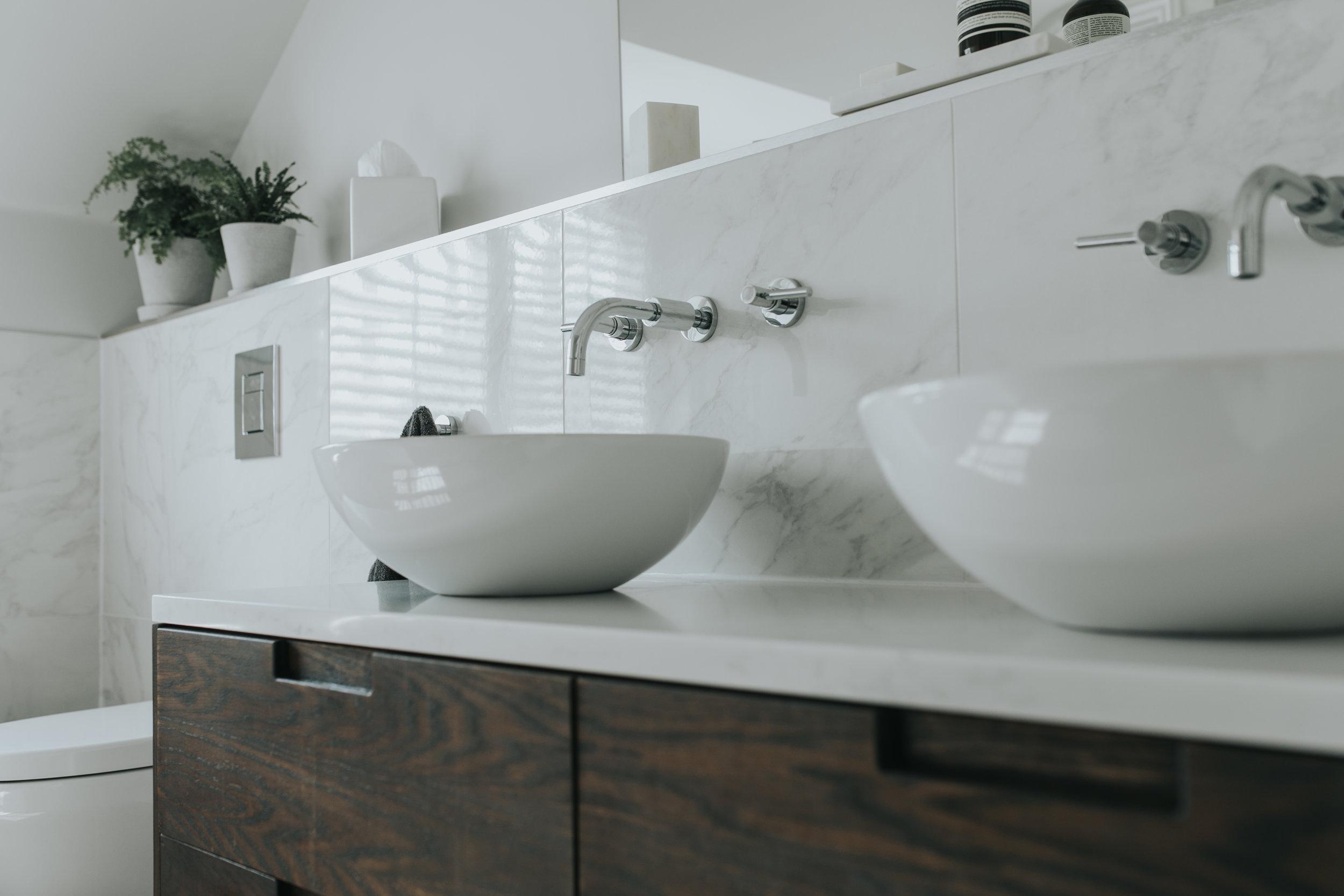Contemporary Bathroom hlinteriors.co.uk6B2A0657.jpg