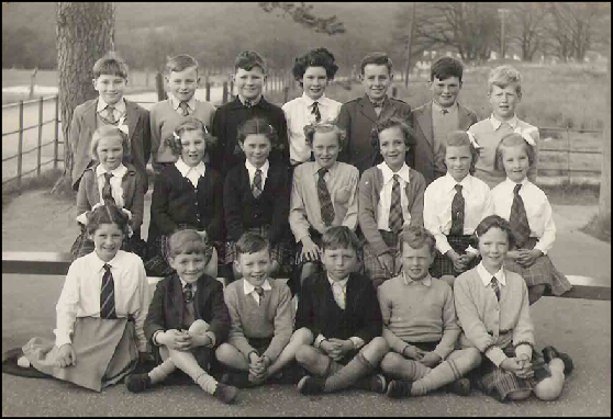 Kinlochard Primary School 1955-56?  Ian McDonald. Eric Wilson. Alistair Laing. Ishbell Gilles. Thomas Godwin. Ronald Luke. Andrew MacGregor. Kate Carmichael. Veronica Parker. Margaret Luke. Sheila Kinnaird. June Godwin. Dorothy Carmichael. Mary McLaren. Moira Gilles. Alistair McDonald. lain Wilson. Terence Markie. Johnny MacGregor. Isobel MacMillan.  Apologies to anyone whose name is spelt incorrectly!