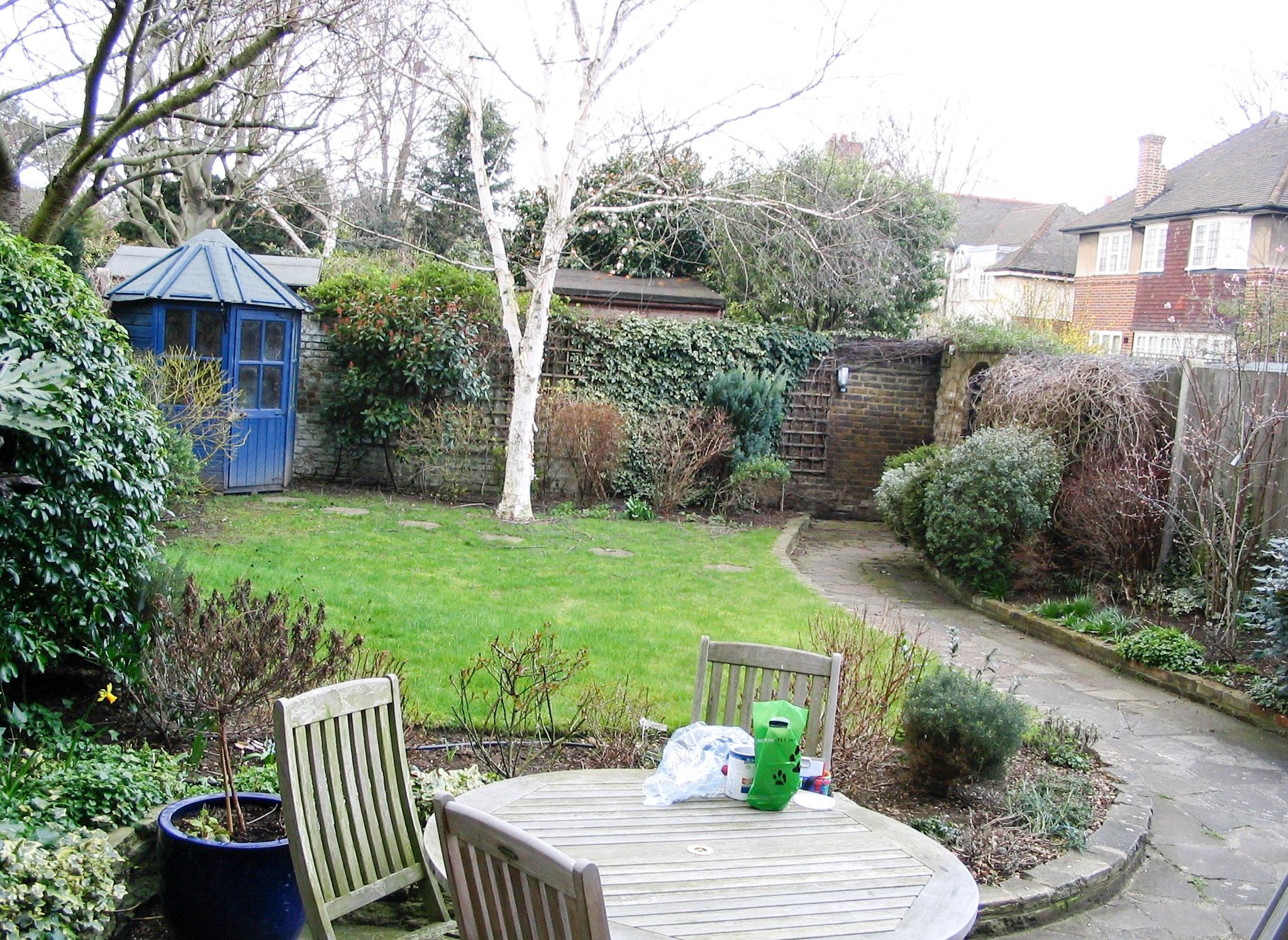 Walled garden before.jpg