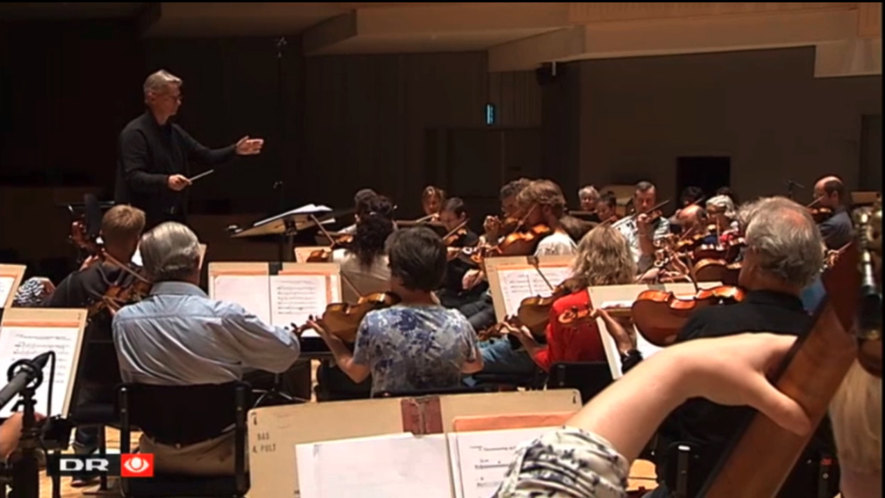 Aarhus Symphony Orchestra, Mette Nielsen (harp), David Strong (grand piano), and Søren Kinch Hansen (conductor) during the recordings of Ilan´s music