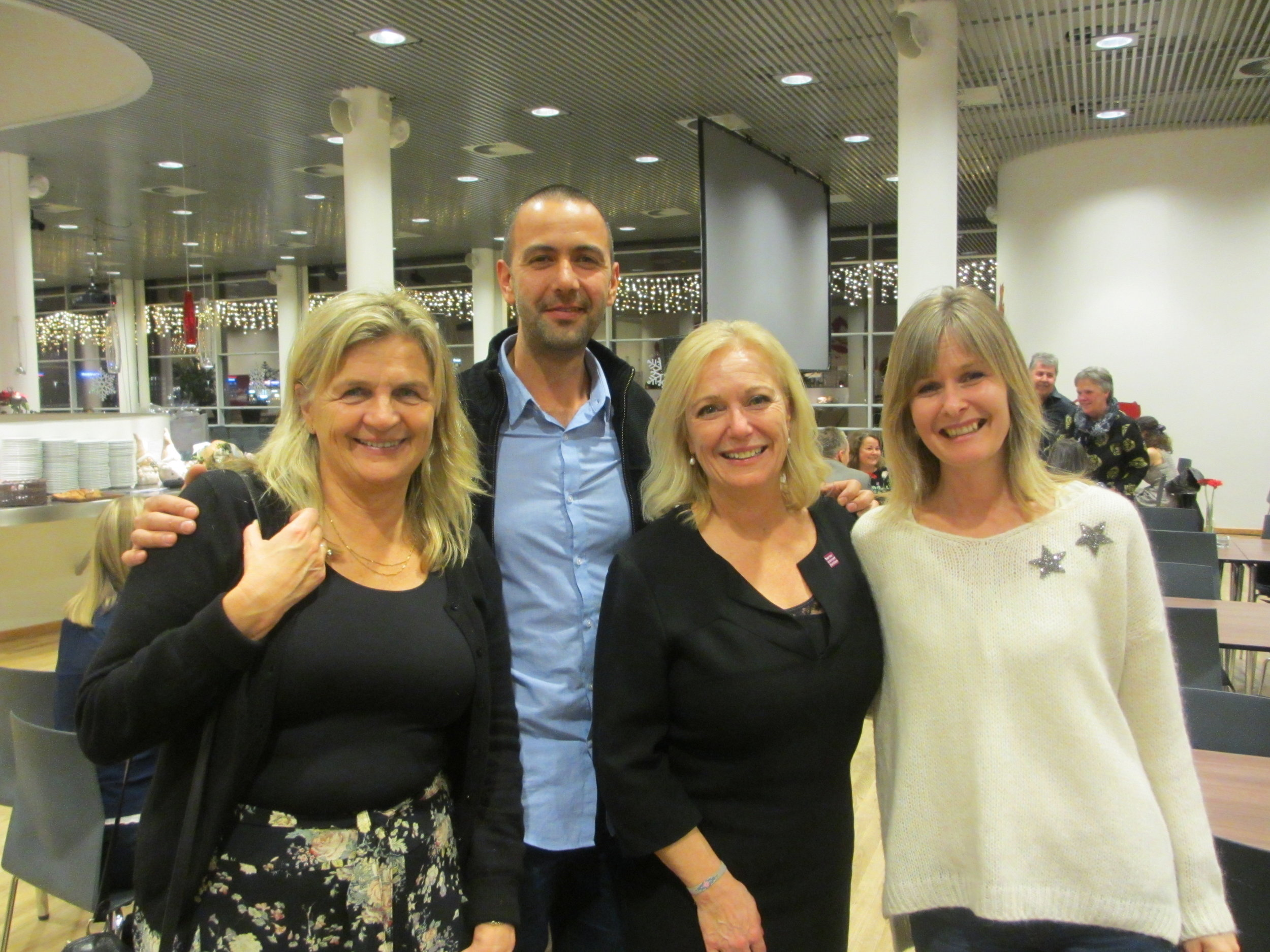 At the Danish Børnecancerfonden´s (BCF) Special Award Show, November 2017. From left to right: Kirsten Holm (Chairman of the board, BFC), Ilan Sanfi (Primary investigator), Marinna Benzon Nielsen (Managing Director) and Catharina Messell, (MICO Music Therapist at Rigshospitalet, Copenhagen).