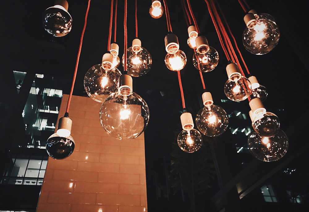 Trade_Show_Booth_Ideas_lights.jpg
