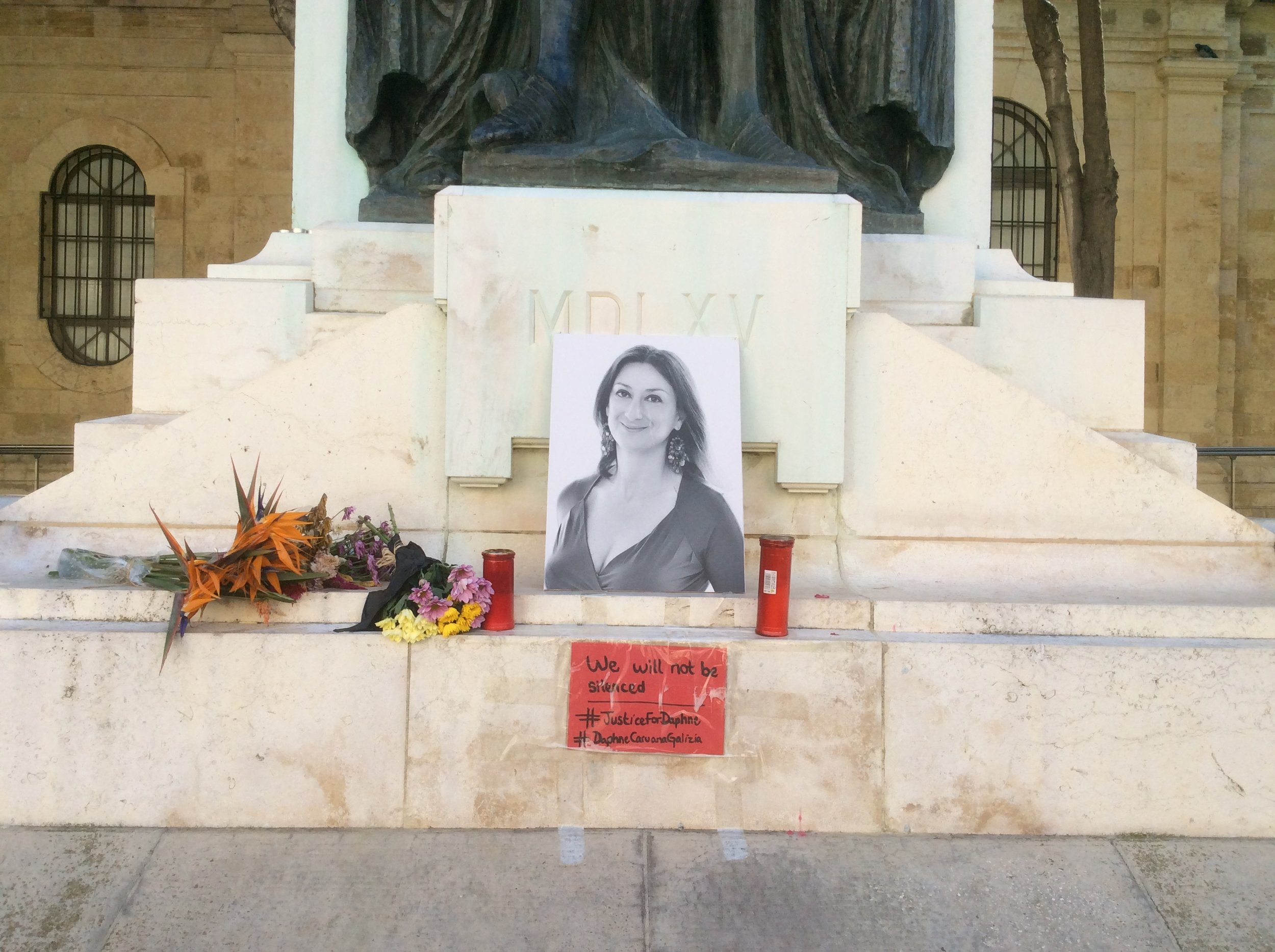 Temporal monument for Daphne Caruana Galizia, the Maltese journalist who died in a car bomb murder. Picture by Wikicommens/Continentaleurope