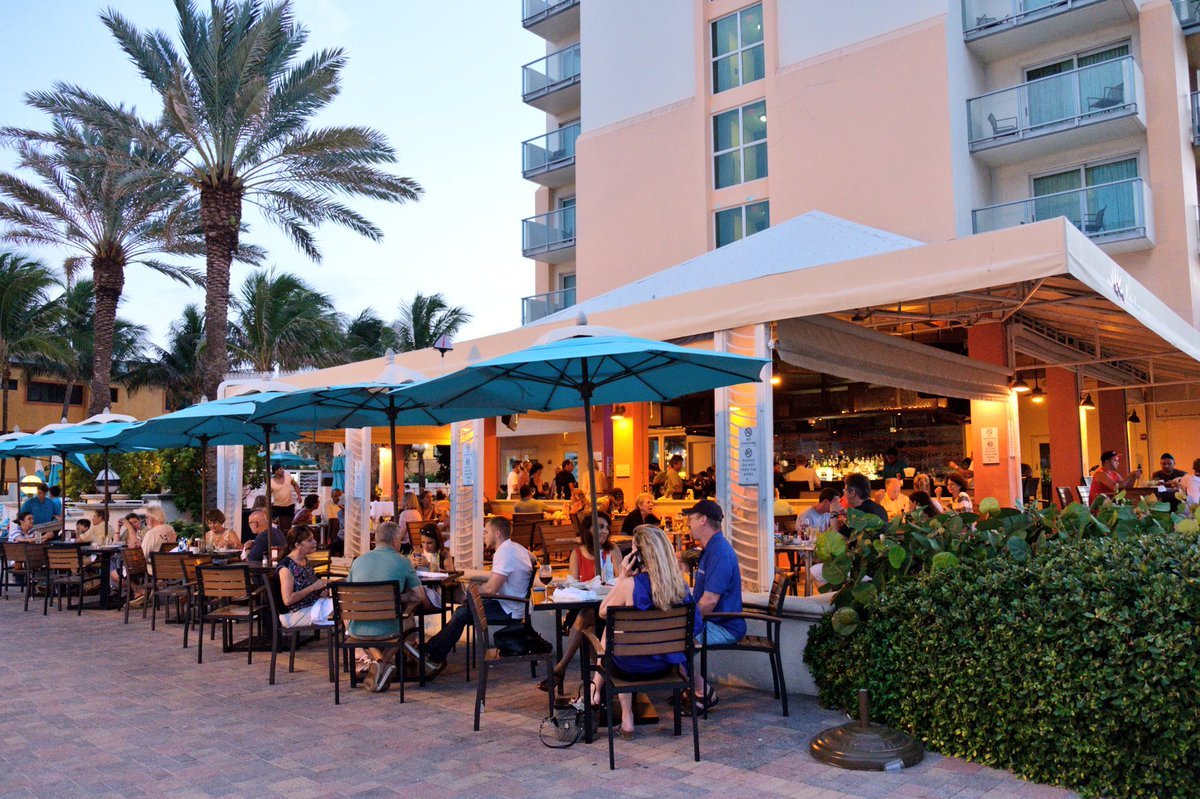Latitudes Restaurant And Bar In Hollywood Fl