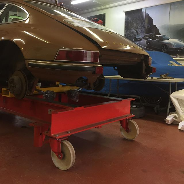 Sepia Brown '70 T coming down on a Celette, some light rocker panel work needed, nothing major. Almost all original paint, I love seeing that factory texture, not perfect and not too flat, just the way it should be.  #porsche911 #celette #vintageporsche #classicporsche #autobodyrepair #porsche #porscheclassic #porsche912 #porsche911r #vintage911 #porscherestoration