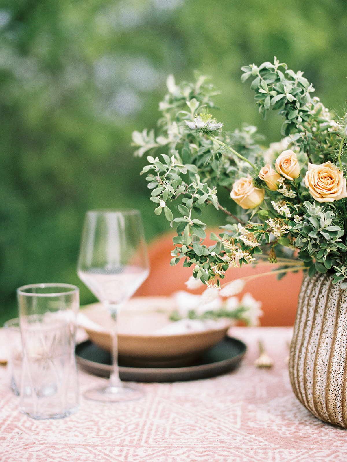 Countryside Table Wedding Peach colors