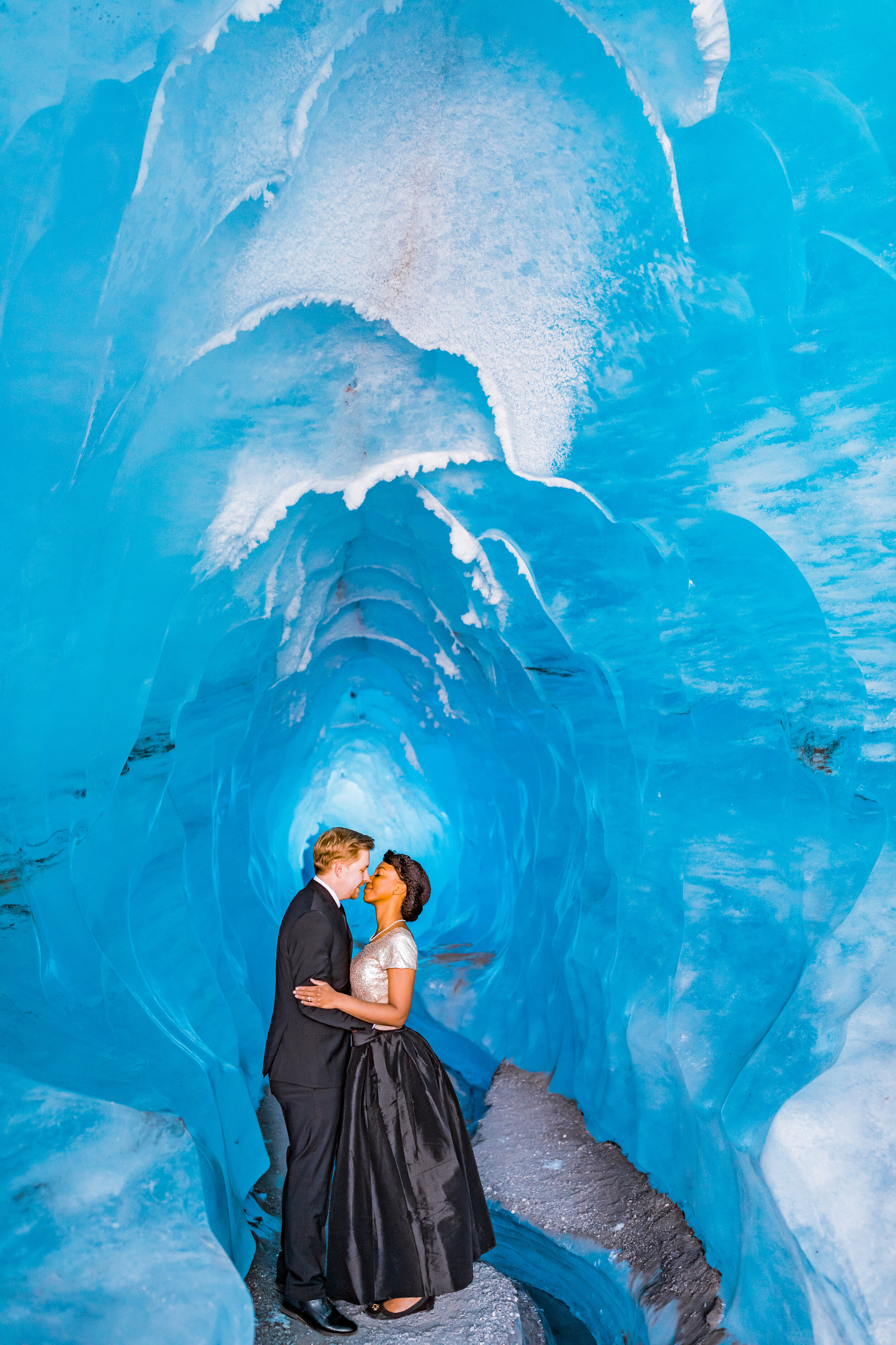 Engagement_Session_Matanuska_Glacier_Alaska_Emily_Lester_Photography-30.jpg