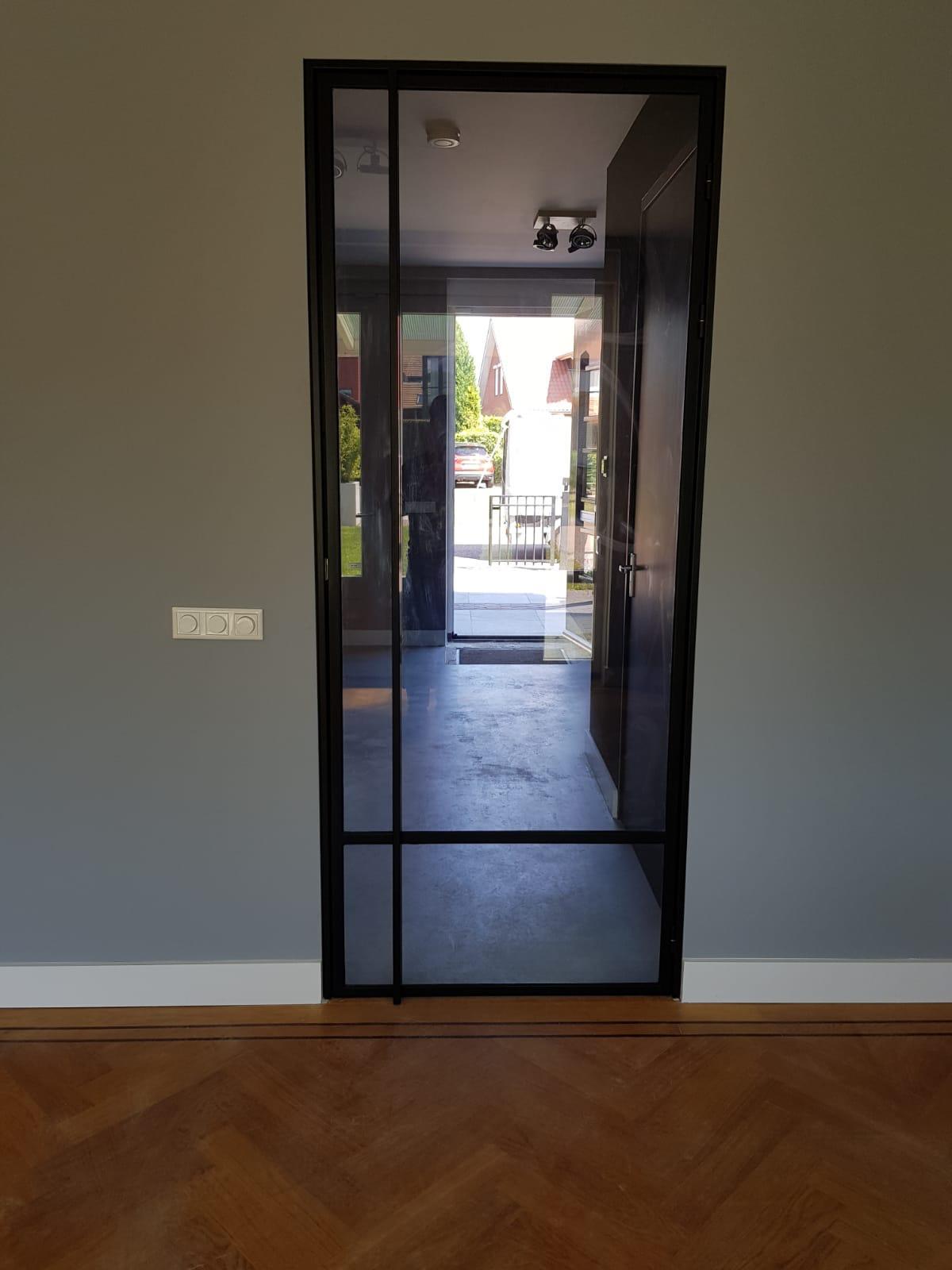 Stalen deur.jpg