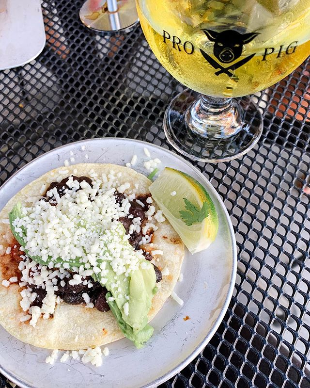 Kind of on a taco and cider kick this week. What better place to do it? 🌮🍎 @prohibitionpig #vermontlove #vteats #prohibitionpig