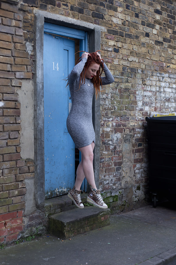 Sian Cross  Singer/Songwriter, Stylist. Photo:  PeanutButterVibes Photography