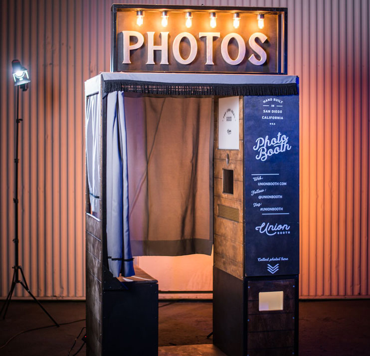 closed-style-photo-booth.jpg