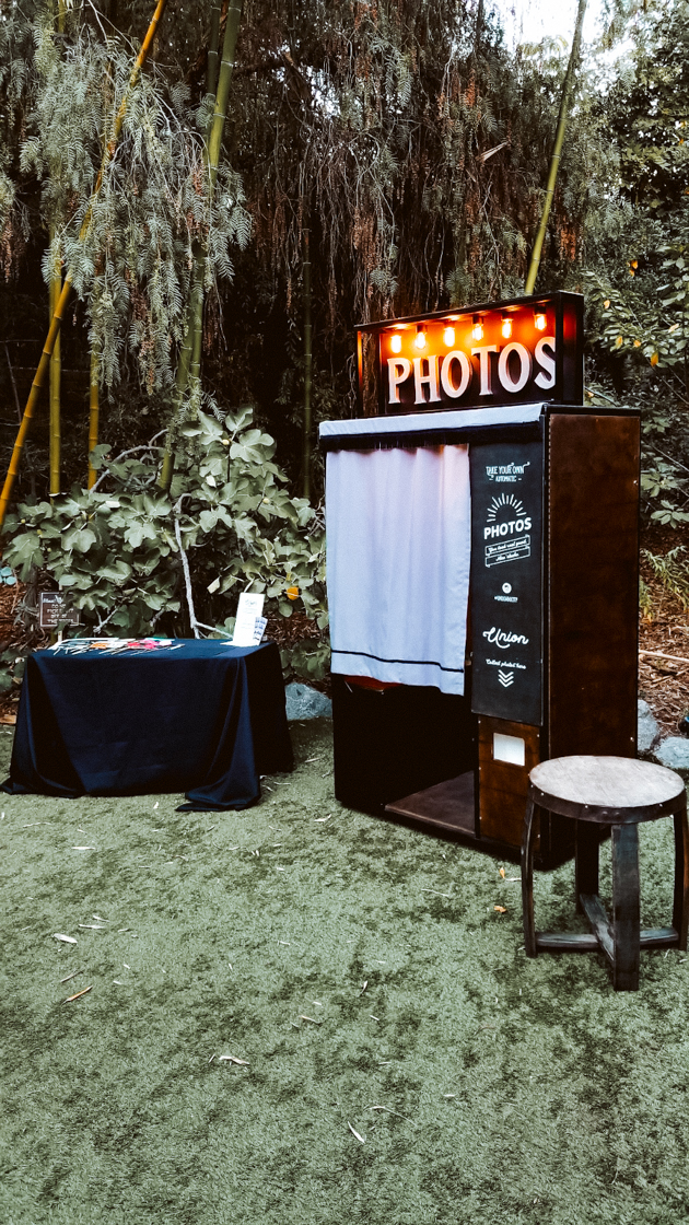 Vintage style photo booth rental San Diego | Los Angeles | Palm Springs | Orange county Kenwood photo booth for rental and purchase by Union Booth