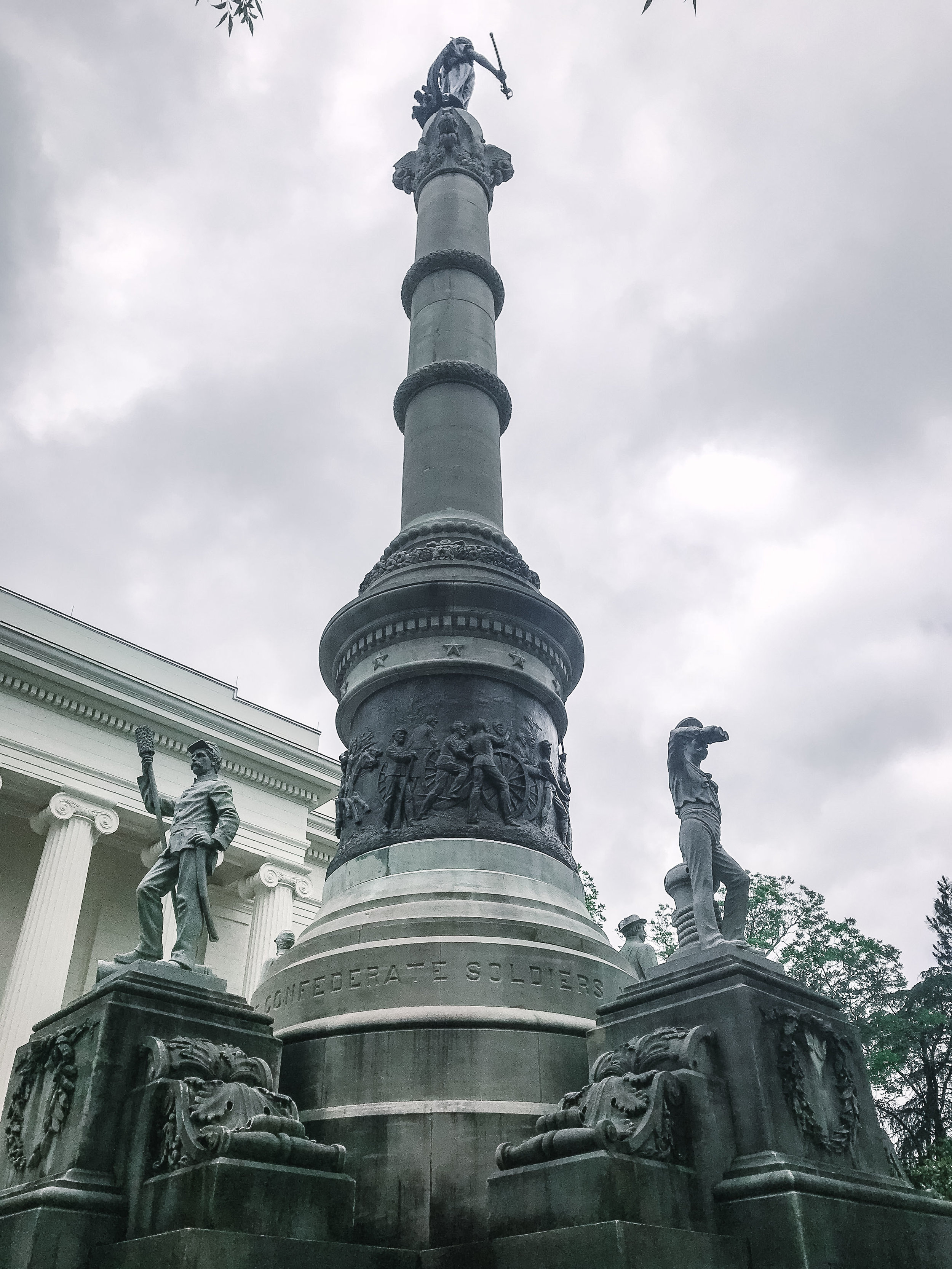 Confederate monument on the steps of the Alabama State Capital building.