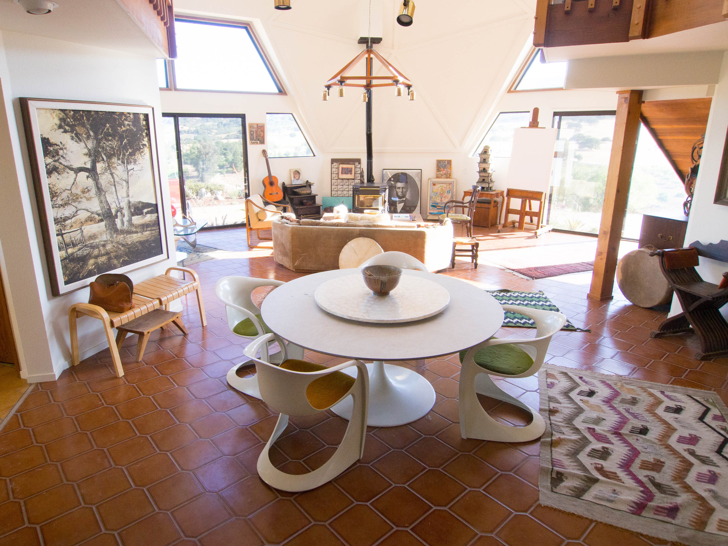dome.livingroom.jpg