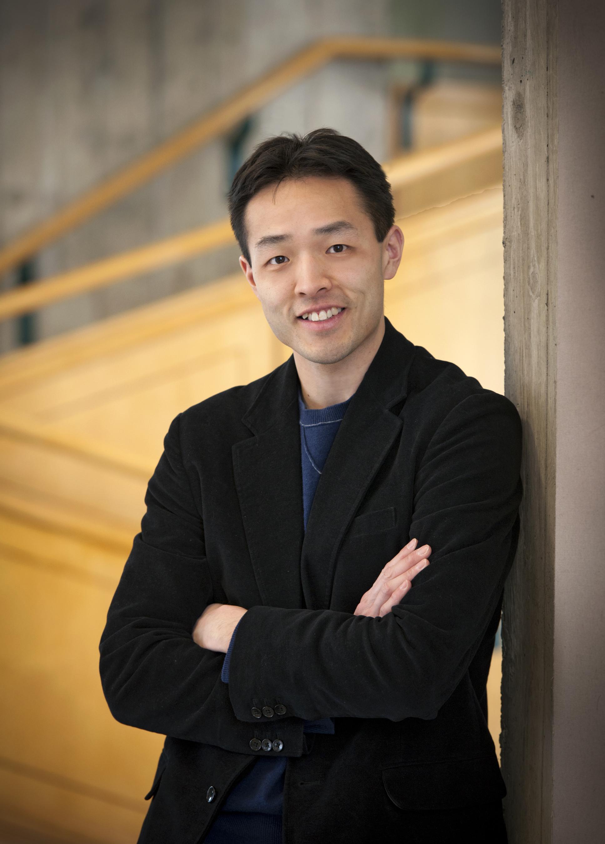 Leo Wong, Co-Chair    Founding Director, Social Innovation Institute, MacEwan University