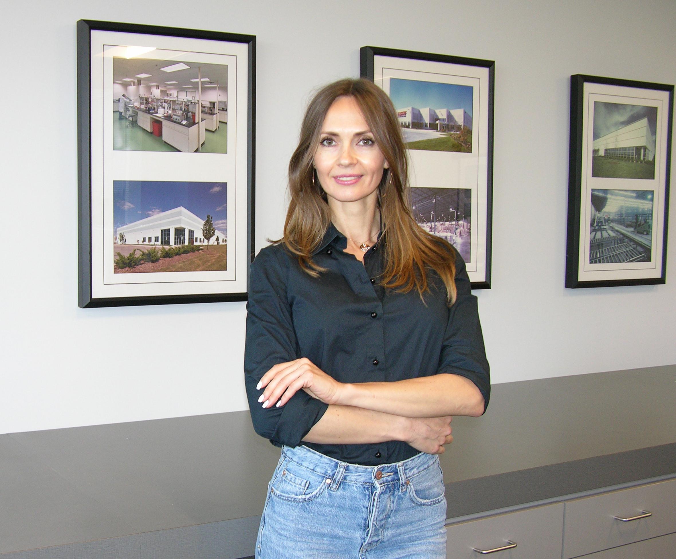 Alena Zavaichynskaya, Administrative Assistant
