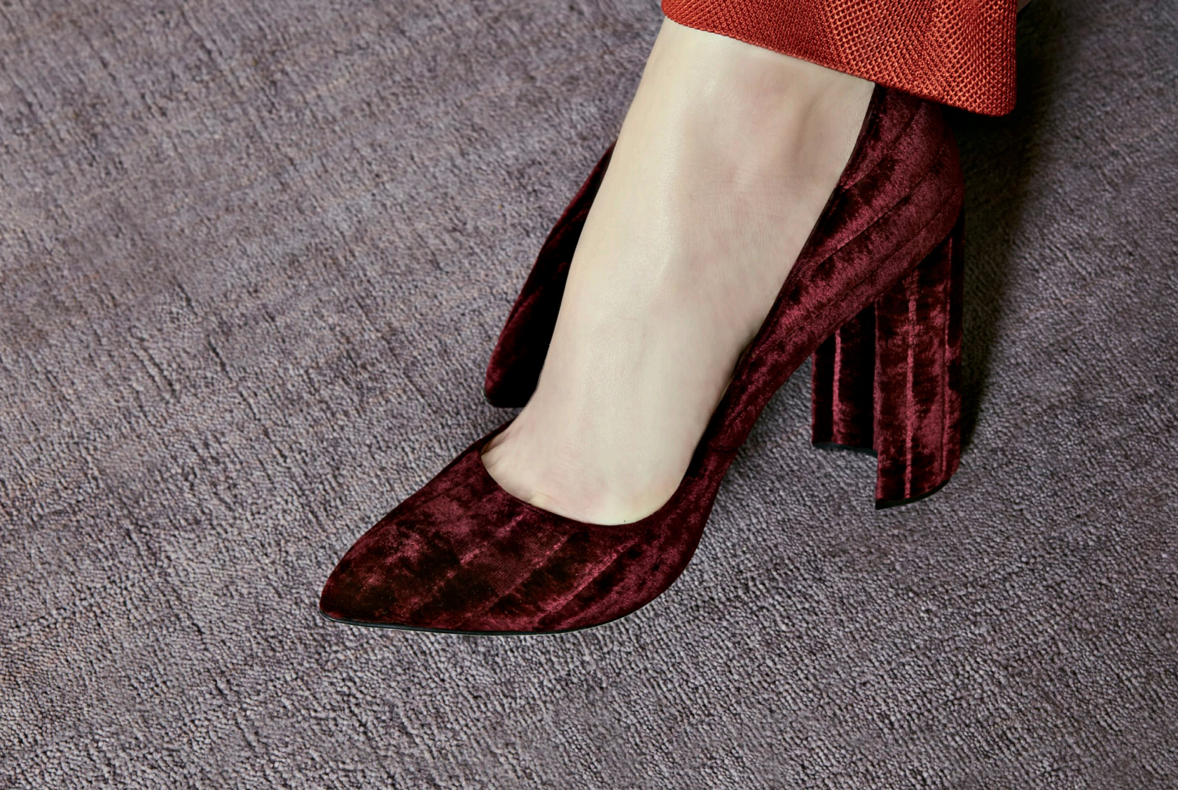 The Emma: Bordeaux padded velvet pumps featuring a pointed toe and a curved block heel.