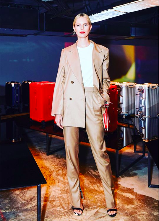 Karolina Kurkova wears ' Narcissus'