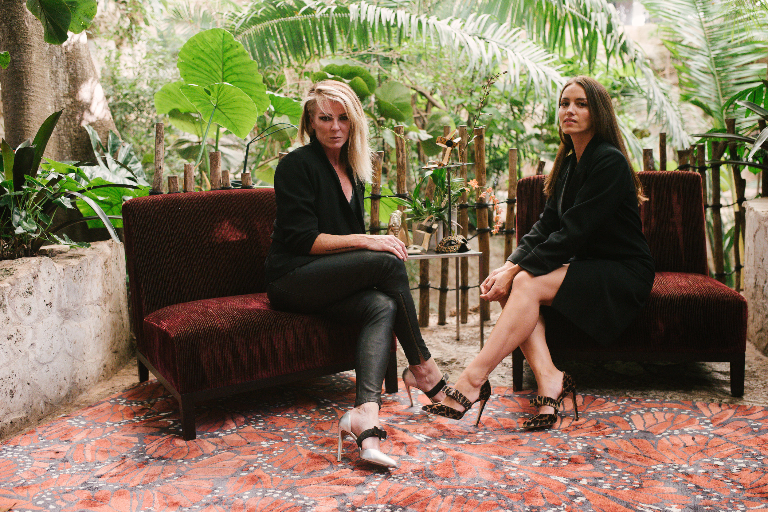 Chloe Gosselin & New York Vintage Take Dallas. - Take a Look Inside the One-Of-A-Kind Shopping Experience at the Dallas World Aquarium.