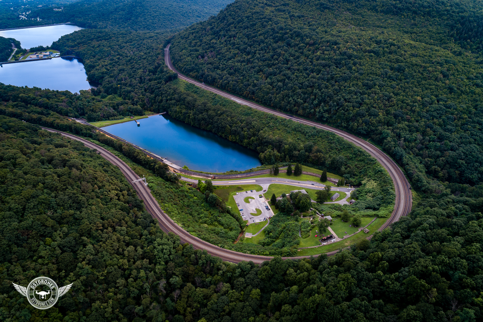 Horseshoe Curve Summer-1.jpg