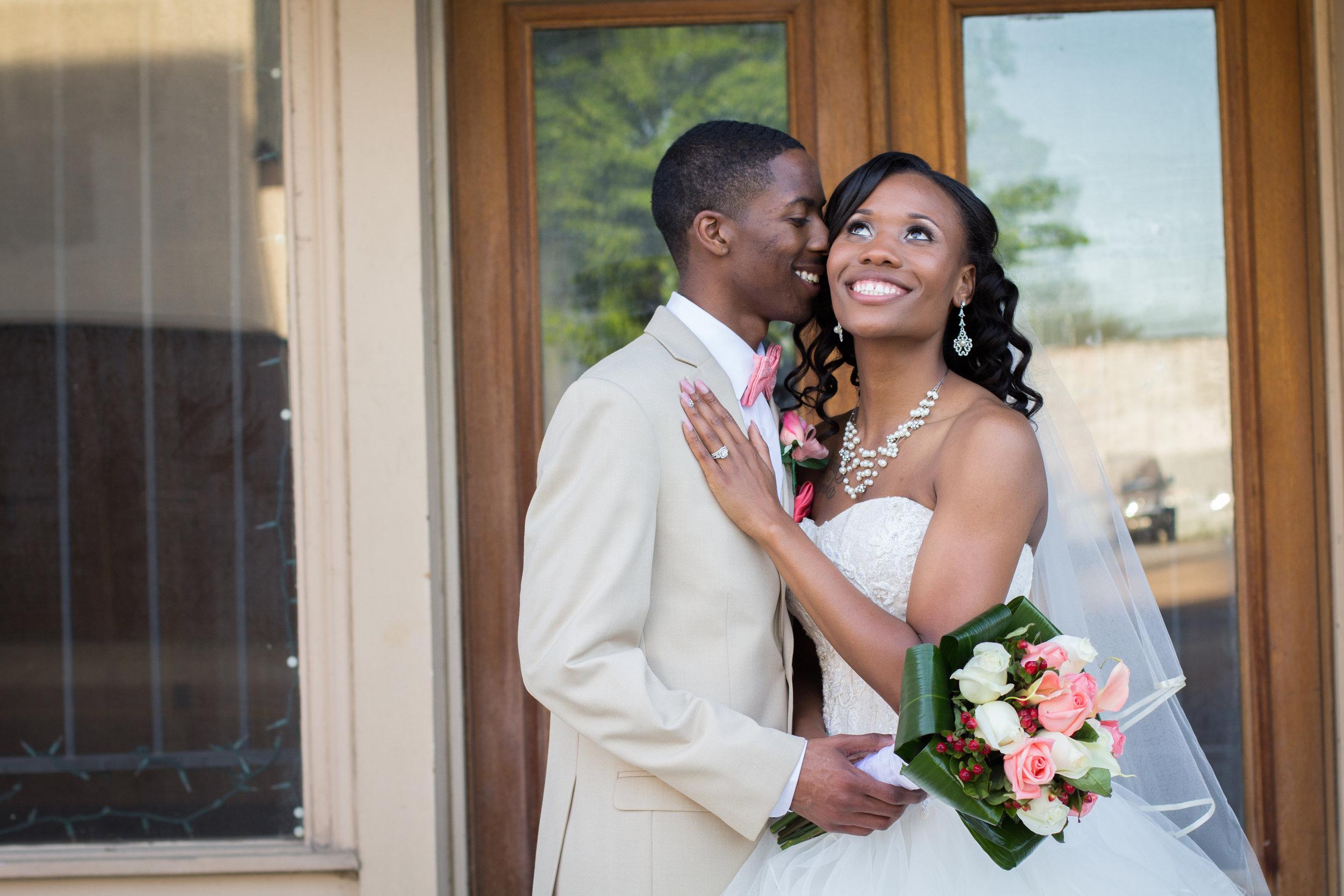 best-luxurious-high-end-wedding-photography-louisville-ky-fancy-boudoir-female-african-american-photographer-carnegie