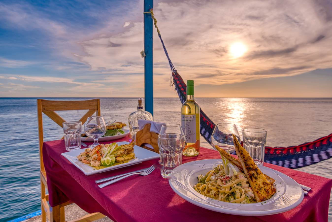 The SUNSET GRILL …