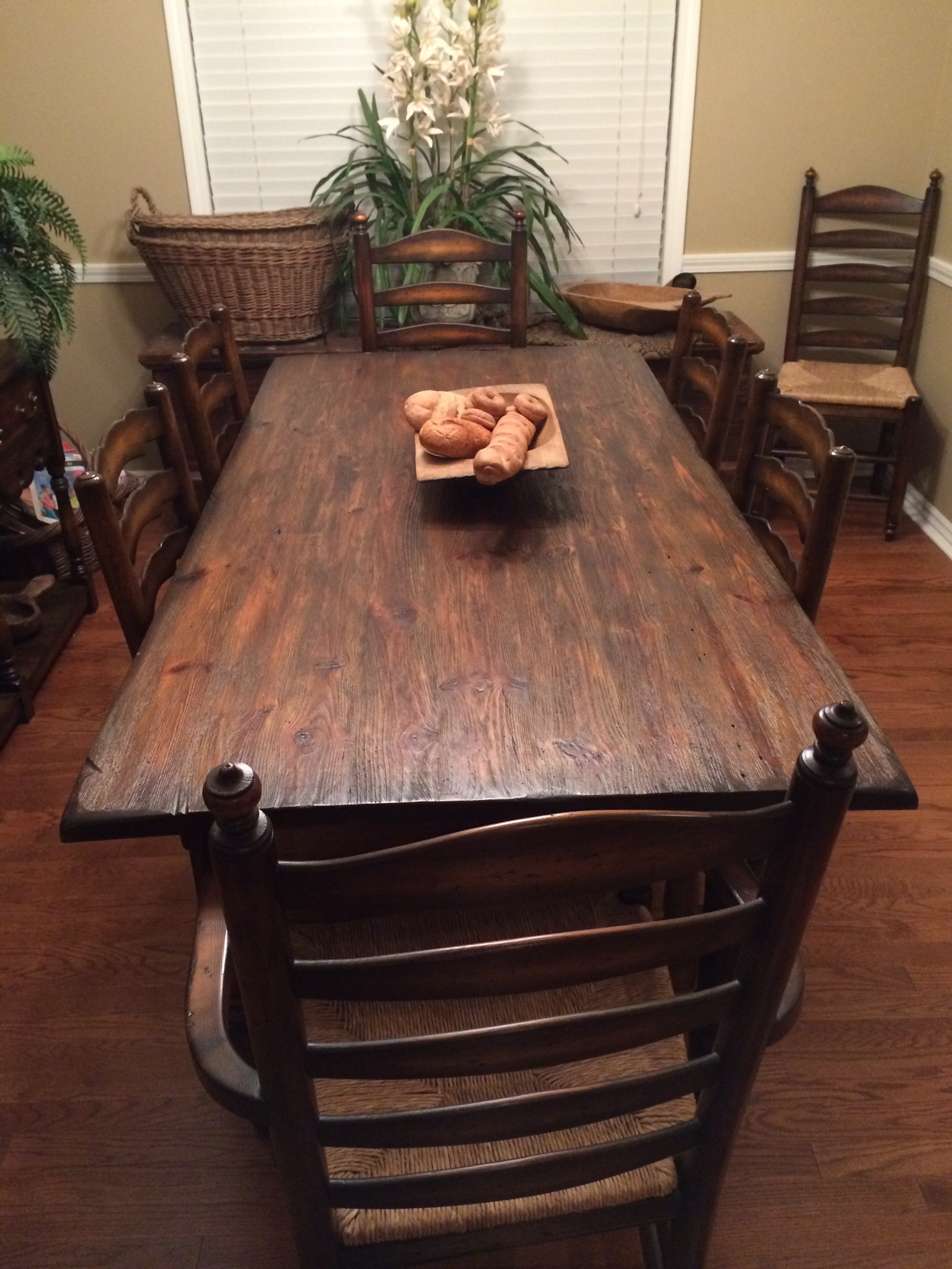 Customer Install Rock Sanded Table and Chairs