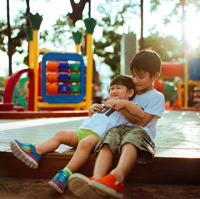 Sibling Saturday's and forever  friends are just the right fit! #saturday #siblings #friends #fun #park #play Photo by Hisu Lee