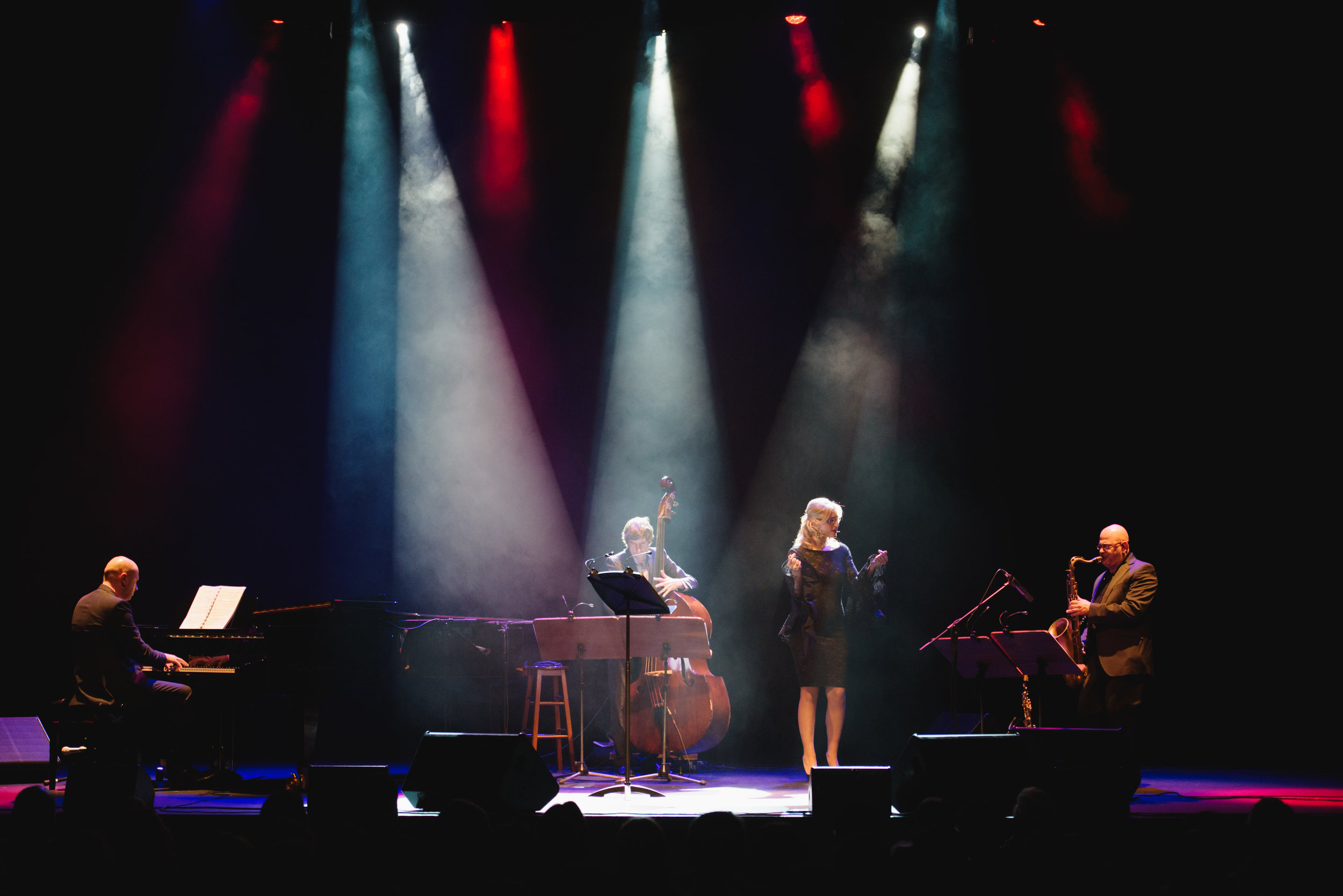 16 DEK18_589 Xmas Jazz Show.jpg