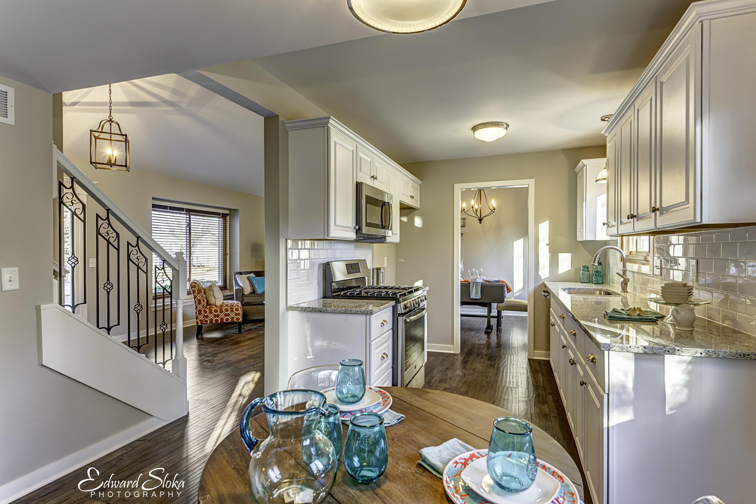 Kitchen-Foyer.jpg