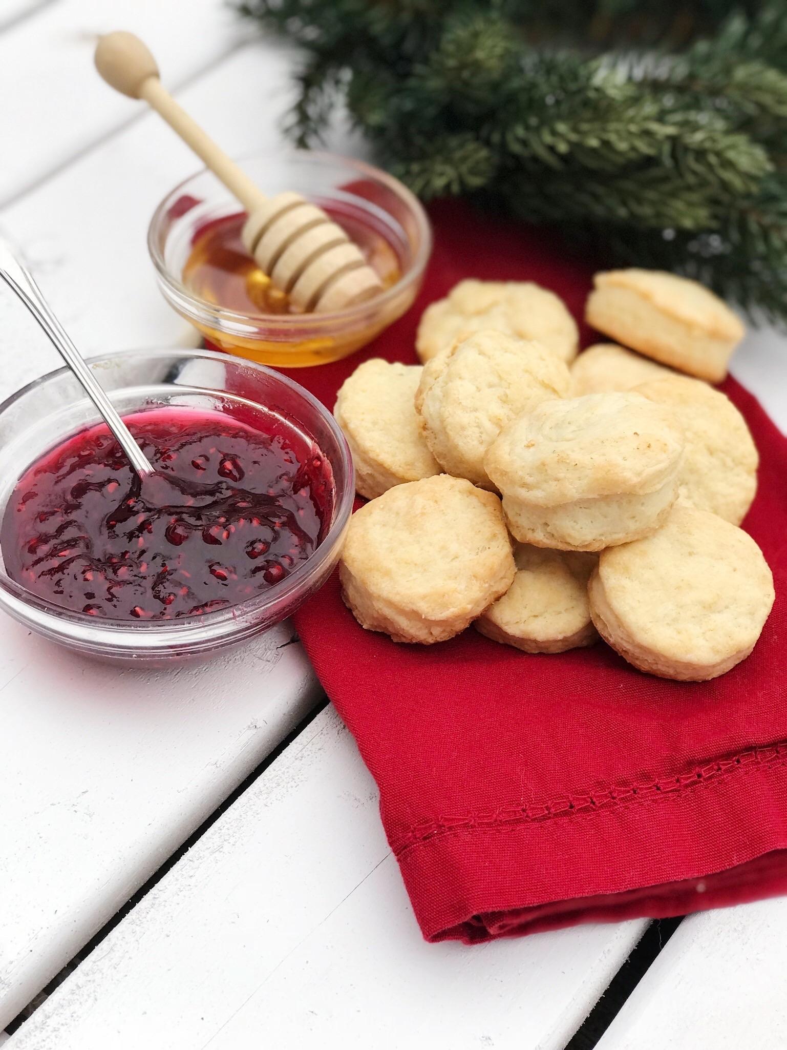 line & lee mini biscuits