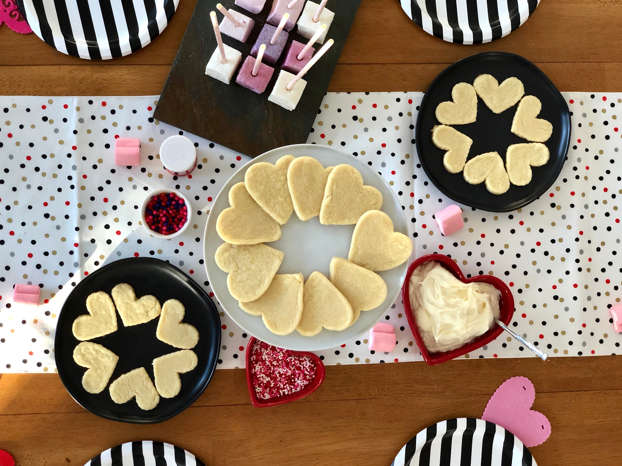 line & lee cookie decorating