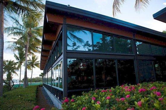 Houston's Restaurant - North  Miami, FL