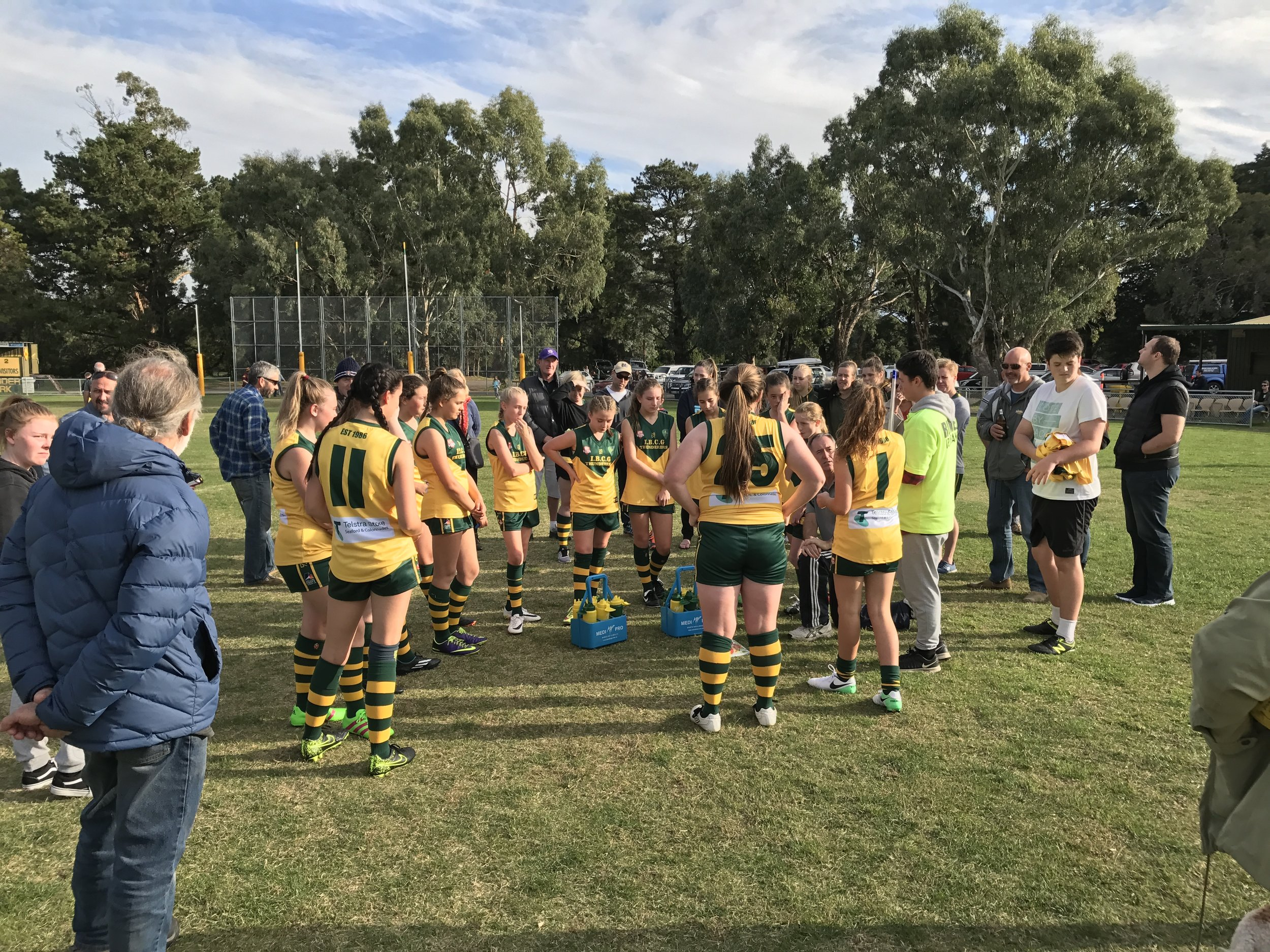 2017 IBCGFC U16s Quarter time huddle.jpg