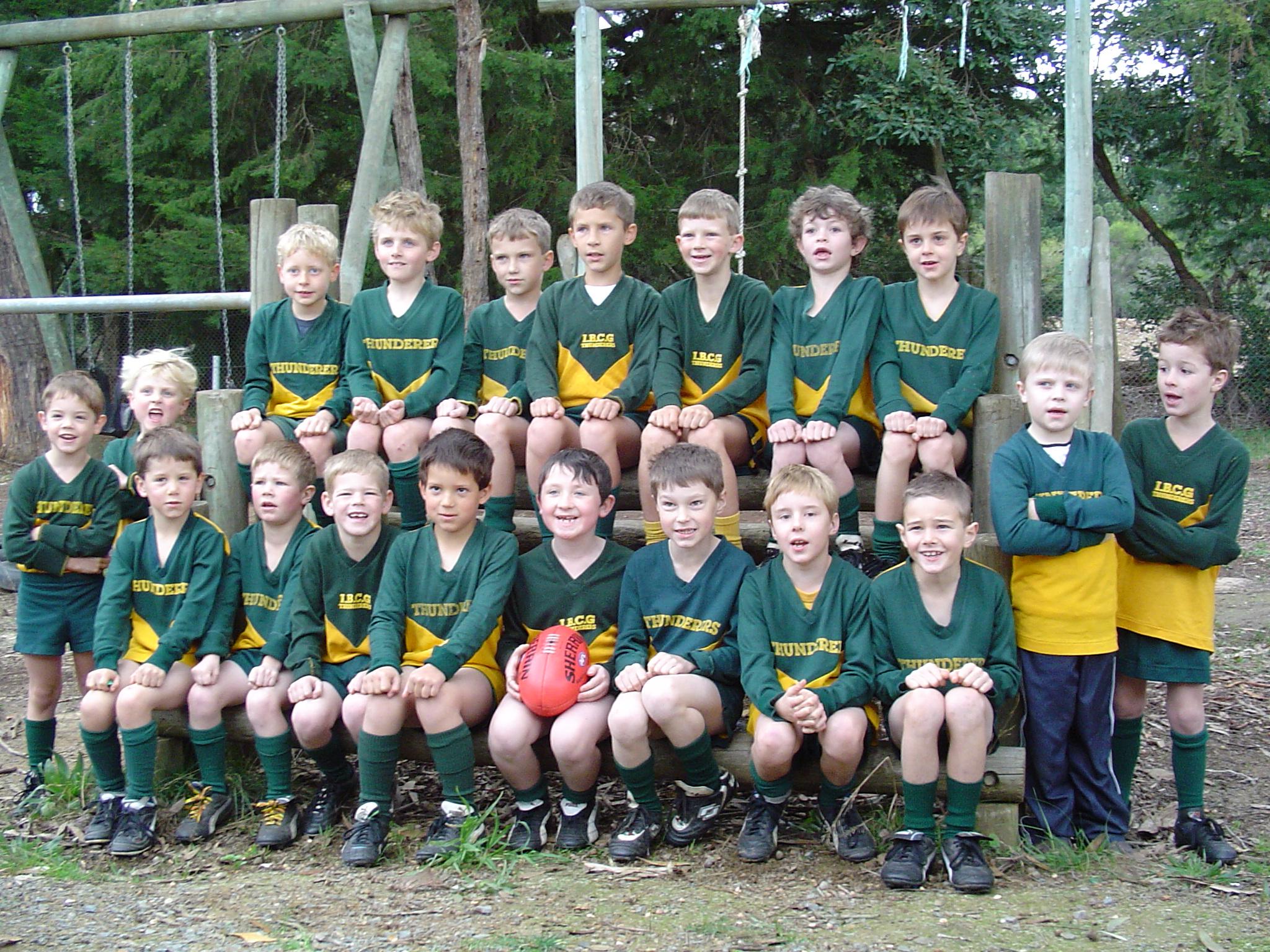2003 Toms footy team 04.JPG