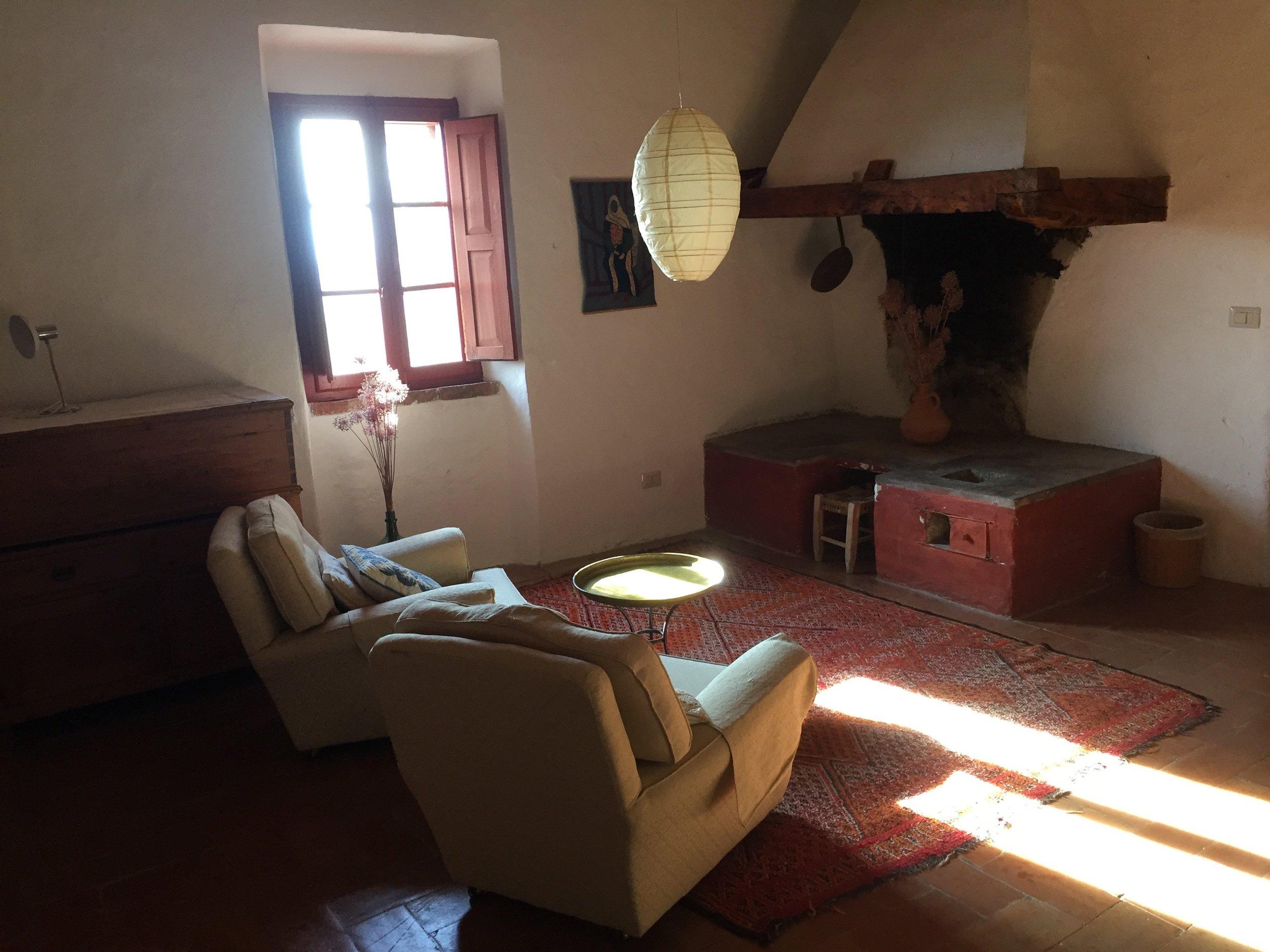 nido sitting room.jpg
