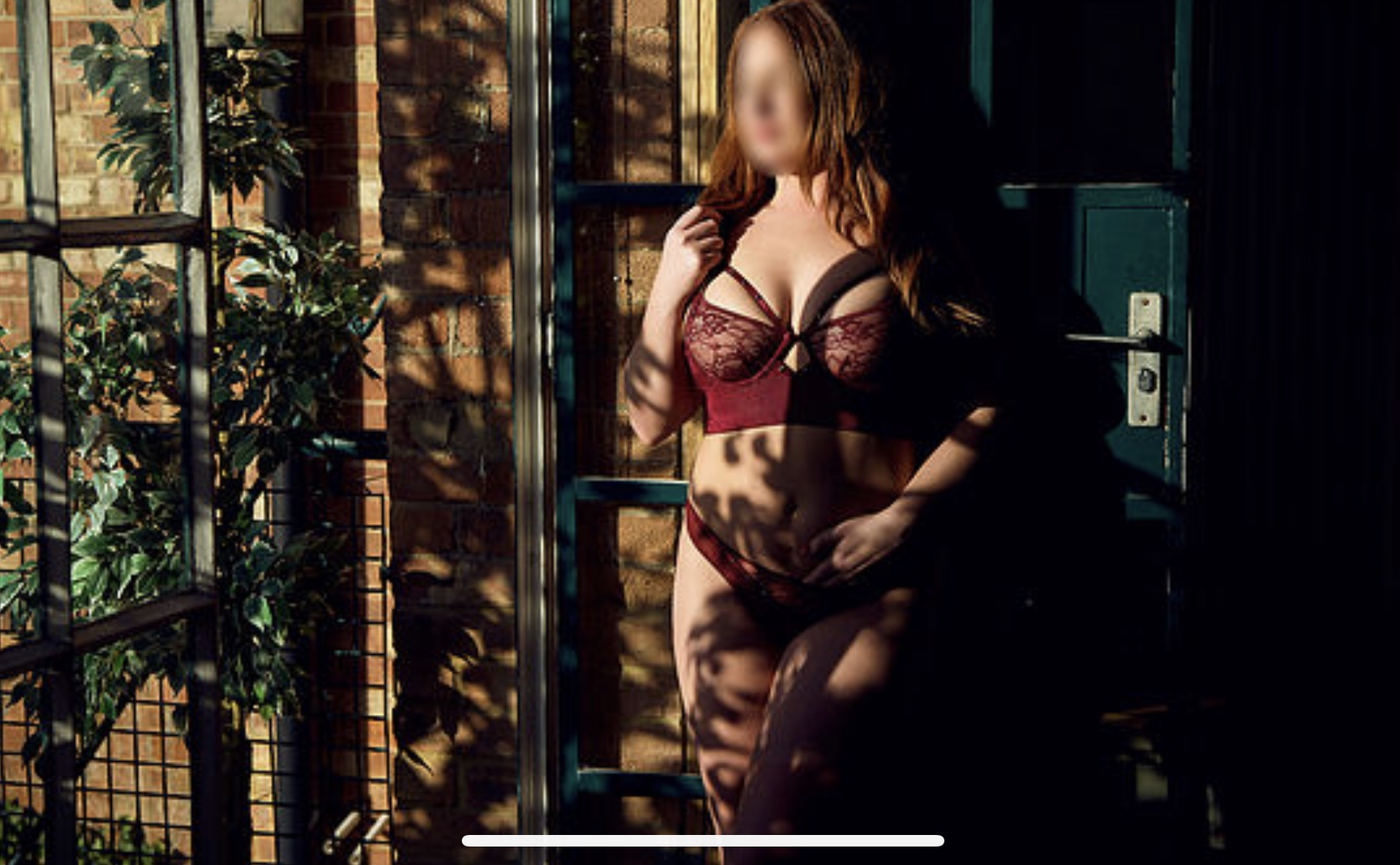 Imogen Mae - Indulge with this beautiful red haired minks, SPECIALISING in sensual GFE AND DECADENT RENDEZVOUS.