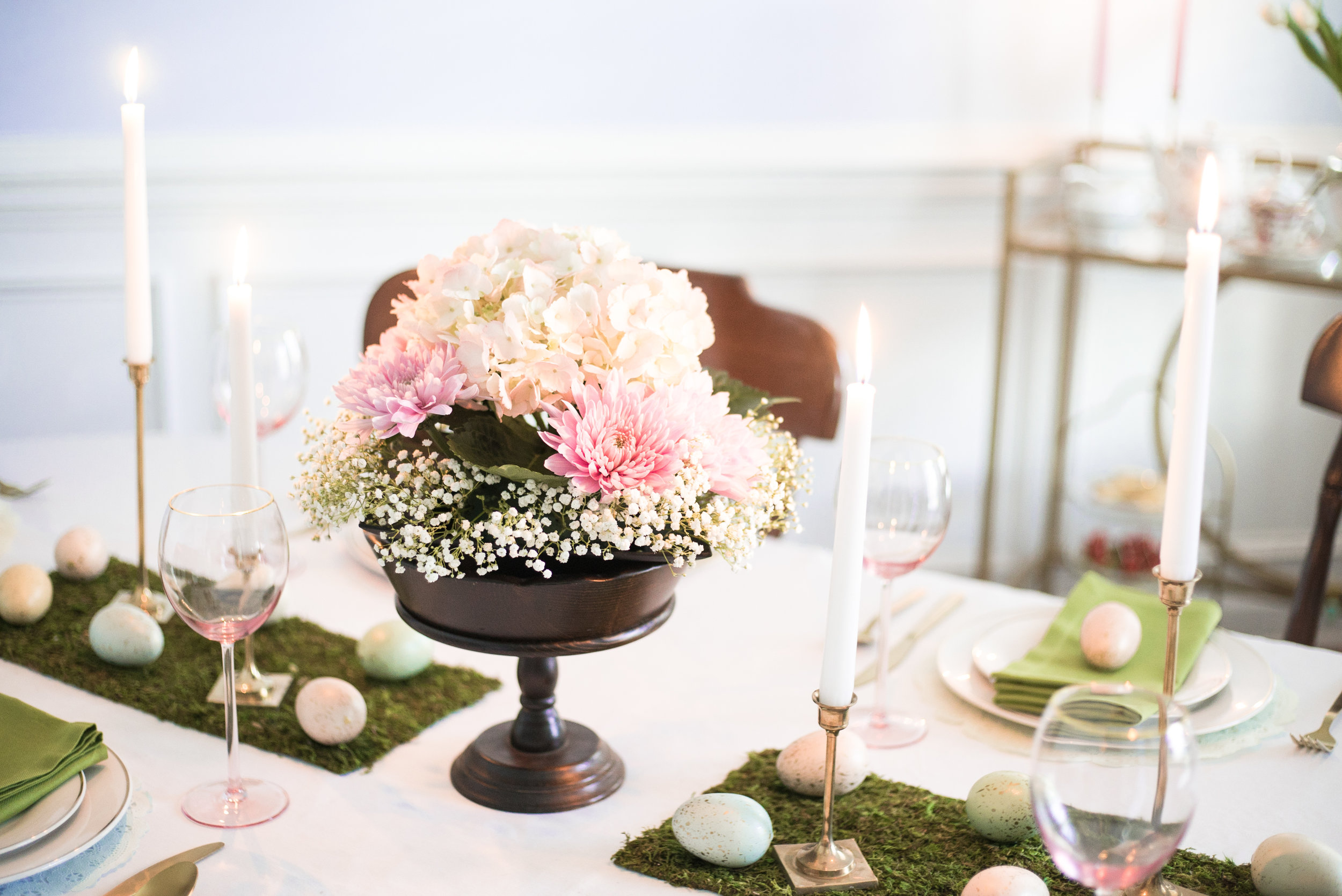 Spring Flowers and Easter Tablescape