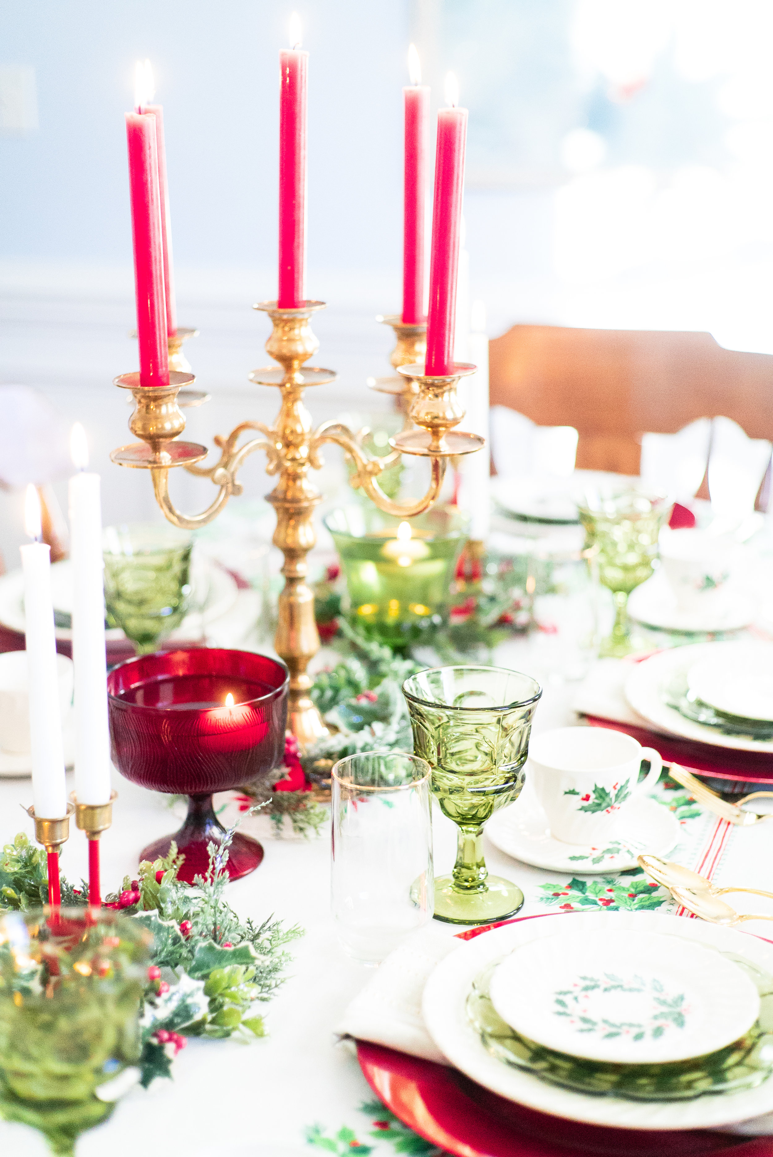 Red and Green Traditional Tablescape