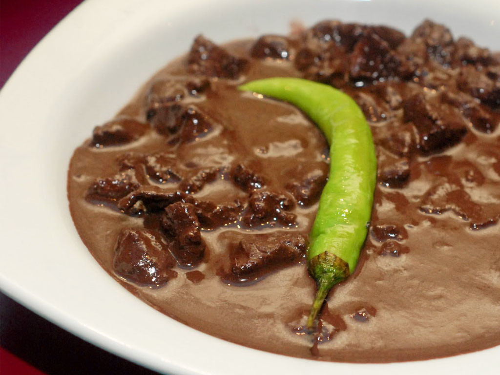 dinuguan-filipino-lunch-filipino-asian-food-fairfaxinnrestaurant-1024x768.jpg