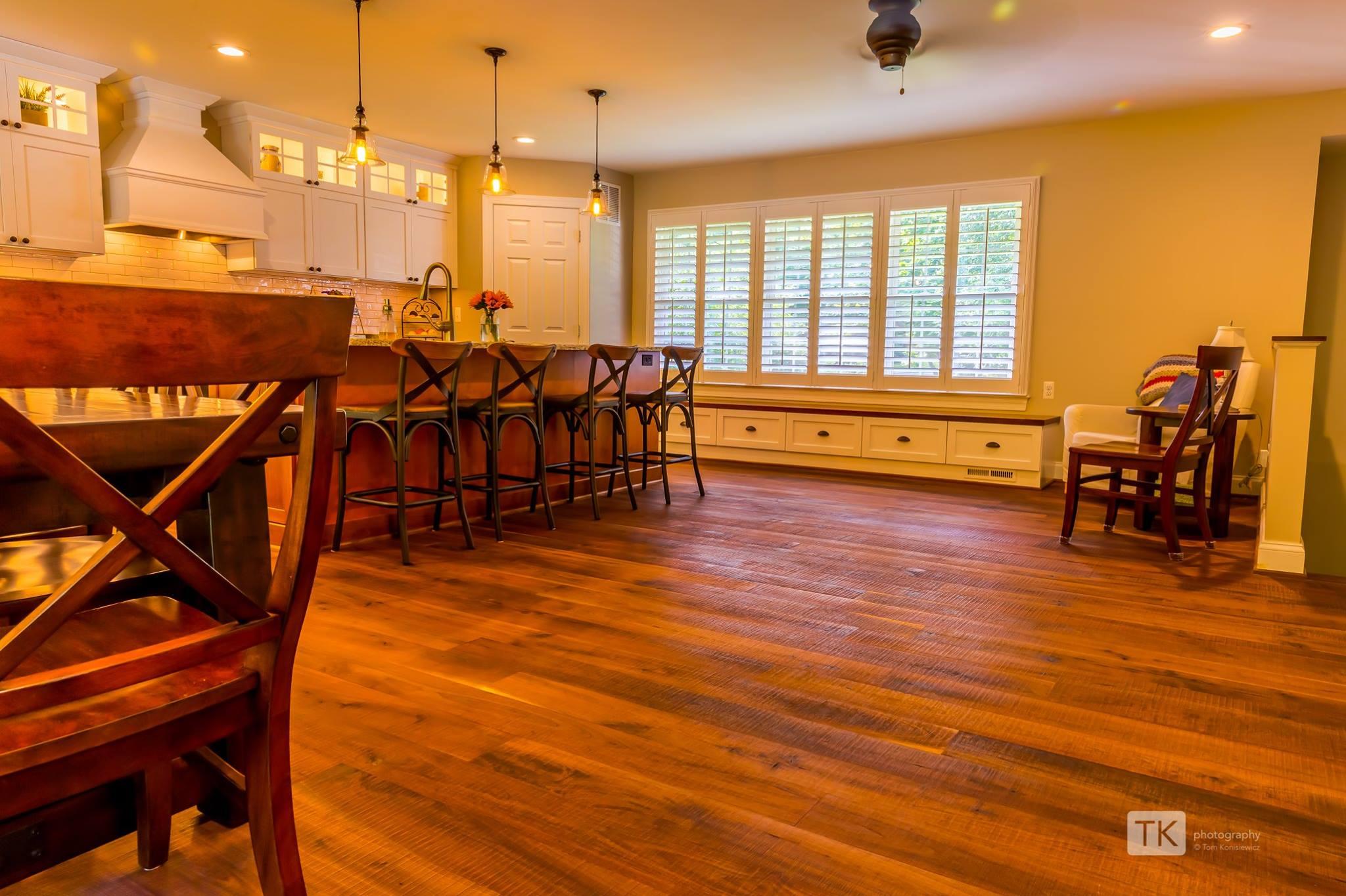 """Kirf-Sawn Walnut - 6"""" Plank Hardwood Floors"""
