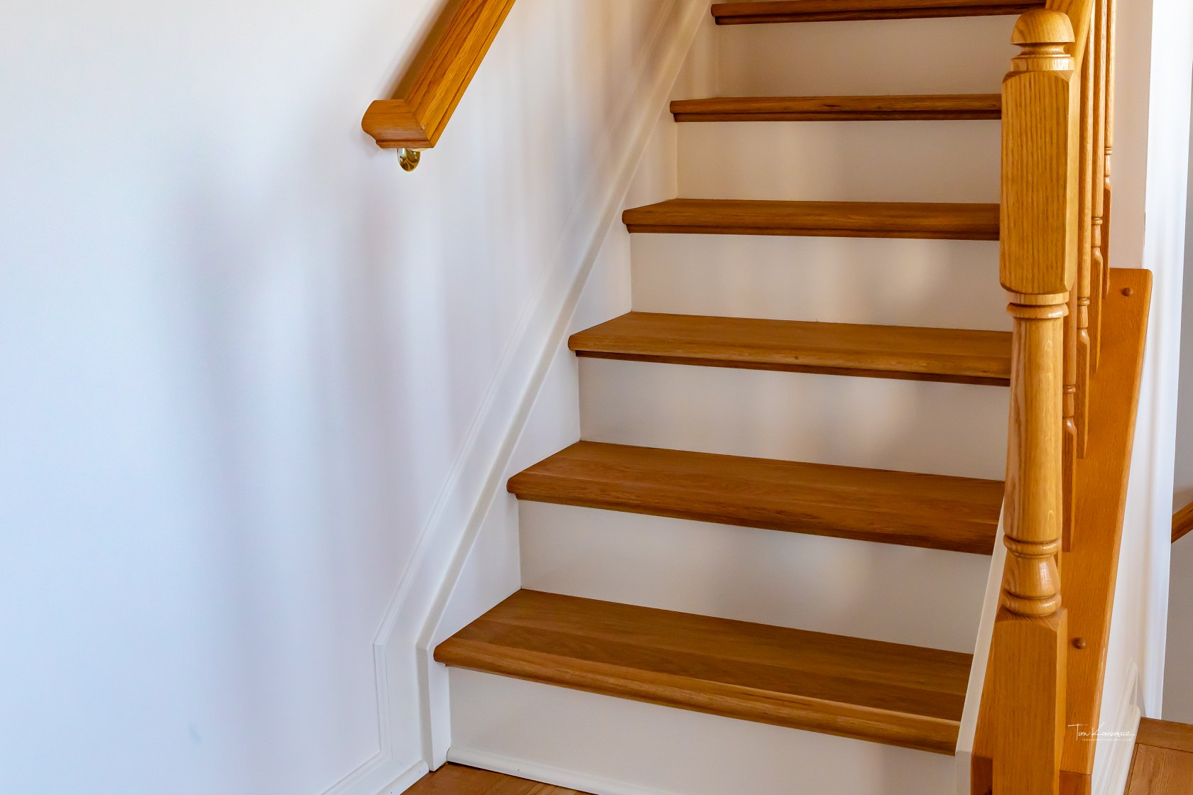 Edgewater-Preverco-Brushed-White-Oak-stairs.jpg