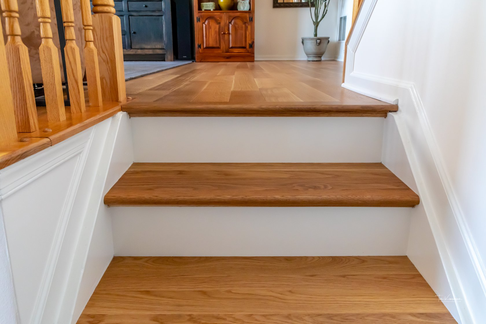 Edgewater-Preverco-Brushed-White-Oak-stairs2.jpg
