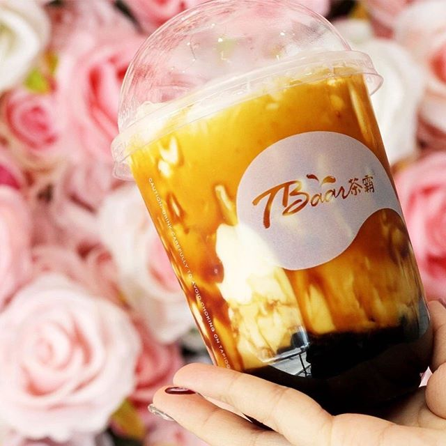 Who's ready for a quick sneak peek at the beverages & ice cream section at our next event? 🥤🍨🥤🍨 At Asian night markets, boba is a must! @tbaarinc @gongchaboston and @fruity_greentea will be there with their amazing drinks trending in Asia! @icenyboston_  has the super refreshing ice cream rolls originally from Thailand! Definitely go check them out on September 14th and 15th! Tickets 🎟 link in bio. · · · · · #boston#bostonfood#bostonfoodjournal#bostonfoodies#bostoneats#boba#nightmarket#foodies#foodgram#foodphotography#drinks#milktea#icecream#dessert#sweet