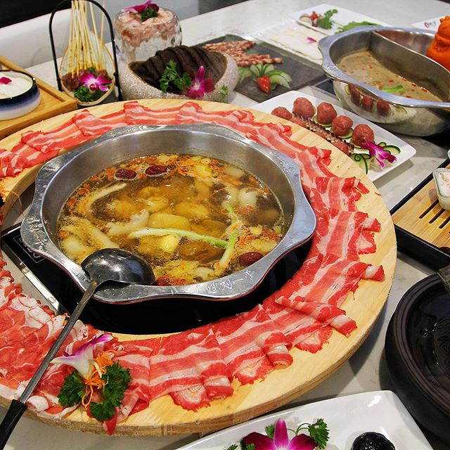 We are super excited to announce that the #1 🔥 hotpot place in Chinatown: @liuyishouhotpotboston will be joining us at our upcoming event on September 14th & 15th! 🥳They will be serving traditional Chongqing street food including fried pork strips, skewers and brown sugar jelly dessert! Dealmoon Night Market Tickets 🎟 link in bio. · · · · · #boston#bostonfood#bostonfoodies#bostoneats#bostonfoodjournal#chinesefood#hotpot#delicious#spicy#soup#dessert#spicy#pork#asianfood#chinatown#foodphotography#foodgram#eats#hungry#nightmarket#streetfood