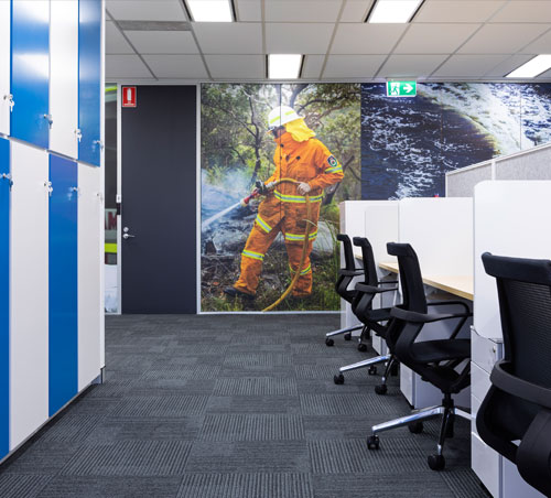 Motorola - This vibrant office refurbishment designed by Urban Fitouts in keeping with Motorola's international design guidelines was the perfect opportunity to flex our communication muscle working with a client based offshore who was unable to attend site. Bold blue and large graphics give this office space a clean and energetic feel. This 330m2 design and construct office refurbishment included a new boardroom, workstations and breakout area.