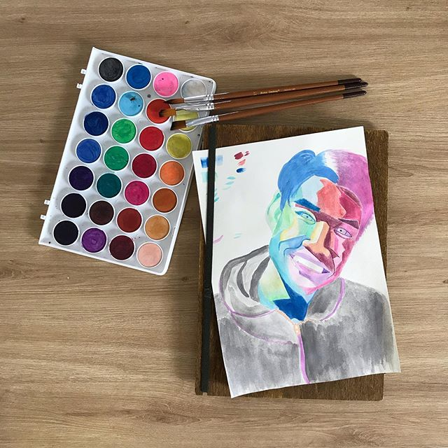 First time drawing a watercolor portrait! Scroll for progress and see which photo this was based on——————— . man this experiment was difficult haha, I def felt a lot of frustration and self doubt along the way, not just the painting portion but outlining the features (redrawn about 15 times), mapping out the shading and choosing colors, took me a total of 3 days! Overall it didn't really turn out the way I wanted which would be more neon colors and negative space but I think for the first try it was not bad! I just wanted to try something I've never done before :) My favorite part is the hair ☺️ let me know what you think! #jennyfeelsthings  #watercolorportrait #watercolor #illustration #portraitdrawing #portraitpainting #colorme #picame #artistsoninstagram #progress #behindthescenes #artexperiments #justtry