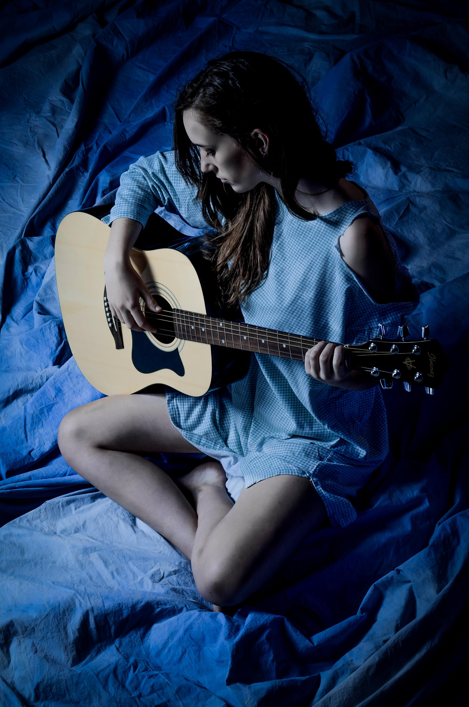 Blue Guitarist.jpg